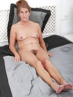 free nude mature woman